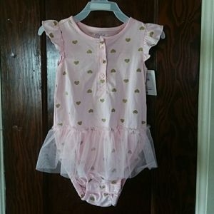 Carters NWT Bodysuit